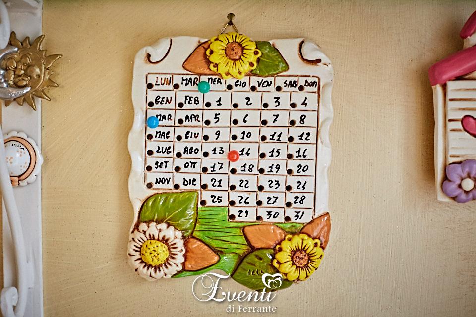Calendario in terracotta decoro girasoli - Ceramiche Artistiche Velier