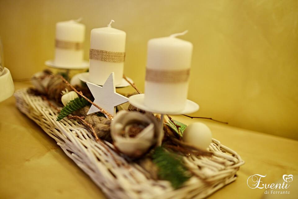 Cesto in legno con candele