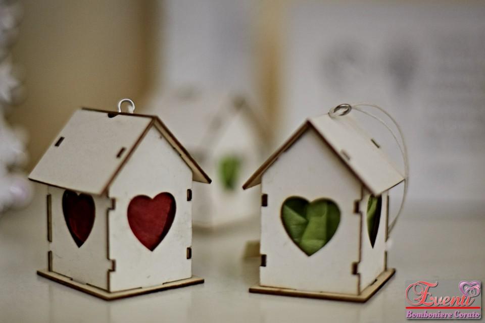 Scatola casa in legno bianca