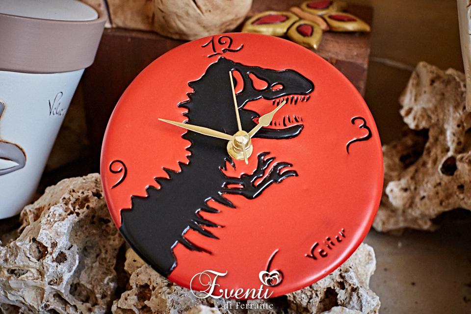 Orologio in terracotta con decoro Jurassic Park - Ceramiche Artistiche Velier