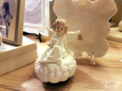 Carillon con angioletto in porcellana
