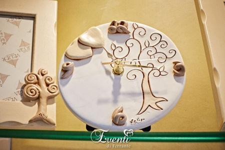 Orologio in terracotta con albero della vita e cuori - Ceramiche Artistiche Velier