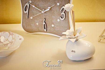 Profumatore cuore in ceramica con fiore in capodimonte - Buba Design