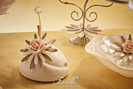 Profumatore in porcellana con fiore in cristallo acrilico e rosa in capodimonte - Buba Design
