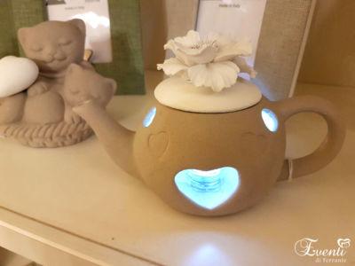 Teiera lanterna con fiore, sabbiata tortora